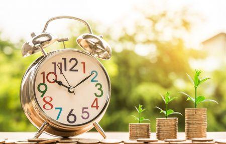 Como usar a ferramenta de negociação de sobreposições de horas de mercado monetário Binomo